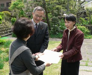 笠井議員と藤沢区議
