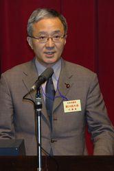 日本共産党第24回大会で発言する笠井議員